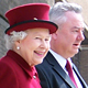 Her Majesty Queen Elizabeth II with Vice-Chancellor Professor Bob Cryan